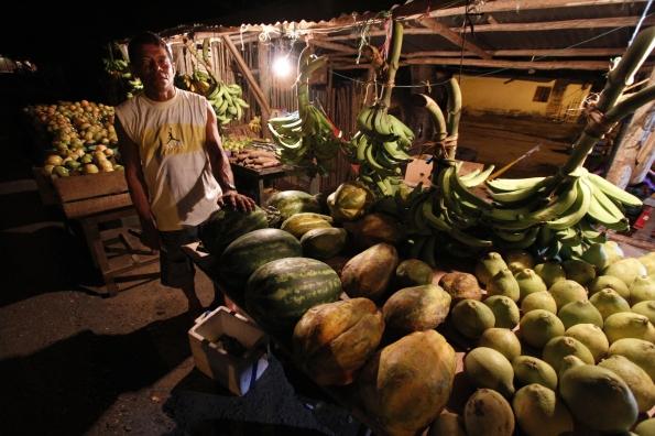 Adlaberto, the fruit man